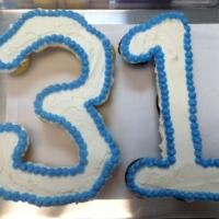 31st Birthday Cupcake Cake