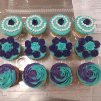 Blue and Purple Cupcakes that Match the Cake