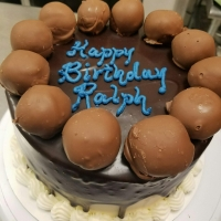 16096 Happy Birthday Ralph Bonbon Border Cake