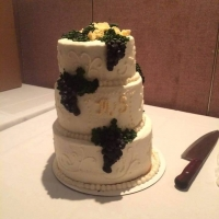 16009 3 Tier Wedding Cake Grapes