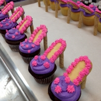 14001 High Heel Cupcake Favors Chocolate