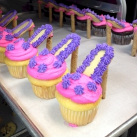 14002 High Heel Cupcake Favors Vanilla